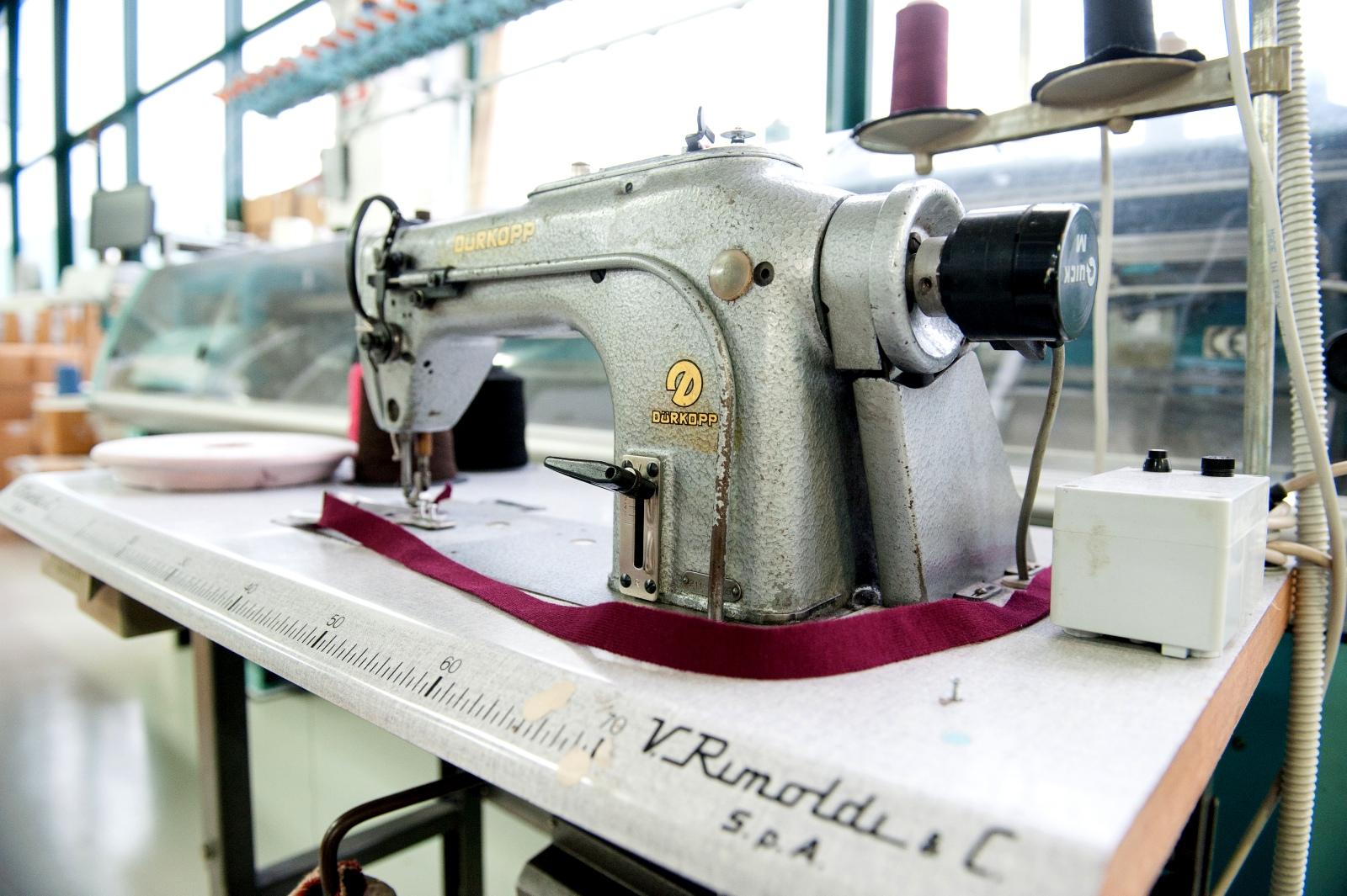 particolare | Azienda Michele Rubini | Maglificio | Vendita maglioni in cashmere